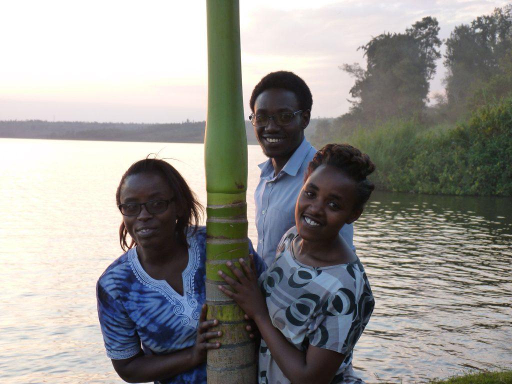 Angélique, Tharcisse y Diane son el equipo educativo que trabaja en nuestra escuela en Rukara.
